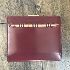 Authentic Burgundy bifold coin Nova wallet